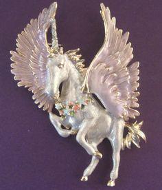 Kirks Folly Retired Pegasus Unicorn /Horse Brooch.