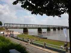 Le pont de Mauves vus depuis la rive nord de la Loire à Mauves-sur-Loire