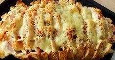 Mennyei Töltött kenyér recept! Ebben a töltött kenyér receptben a hozzávalók bármi másra lecserélhetők, variálhatók. Az ember azt tesz bele, amit szeretne, ami van otthon. Perc alatt gyors és finom reggeli vagy vacsora tehető az asztalra. Igazából csak arra kell figyelni szerintem, egyrészt amikor bevágjuk, a kenyeret ne vágjuk végig, illetve, hogy ne csak felvágott, szalámi, sajt vagy akár hagyma kerüljön bele, hanem pici vaj darabok is, mert anélkül kissé száraz lesz.