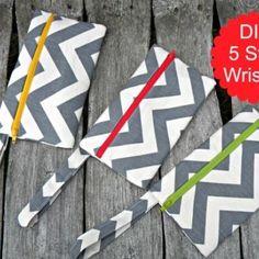 Zippered Wristlet in 5 Easy Steps