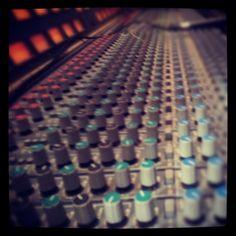 @ggabri | Infinite mixing @ bassafrequenza #mixer #dda #recordingstudio #recording #music | #Schroeder