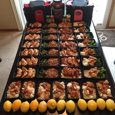 Anabolic Cooking and Nutrition - . - The legendary Anabolic Cooking Cookbook. The Ultimate Cookbook and Nutrition Guide for Bodybuilding & Fitness. More than 200 muscle building and fat burning recipes. Healthy Meal Prep, Easy Healthy Recipes, Easy Meals, Healthy Food, Meal Prep Plans, Fat Burning Diet, Sunday Meal Prep, Health Eating, Nutrition Guide