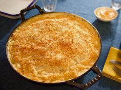 Mac n Cheese Bar Cheese Bar, Mac And Cheese, Macaroni Cheese, Molly Yeh, Gourmet Cooking, Cooking Ideas, Parmesan Pasta, Tee, Pasta Recipes