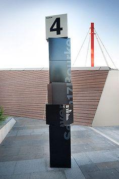 """Galerie / Design By Pidgeon, """"ici et maintenant"""" / étapes: design & culture visuelle"""