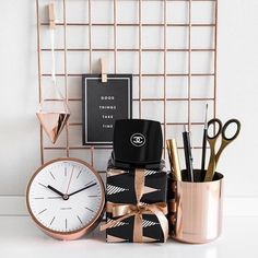 Today, we'll show you 20 inspirationalhome office decor ideasfor 2019 you'll absolutely adore! | www.essentialhome.eu/blog