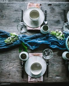 """2,461 Likes, 25 Comments - Eva Kosmas Flores (@evakosmasflores) on Instagram: """"Another beautiful table setting @maggie_pate styled with her @nade_studio natural dyed table…"""""""