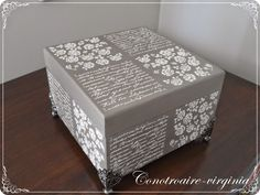Con otro aire: CAJA ROMANTICA Y ALGO MAS...... Decoupage Box, Decoupage Vintage, Funky Painted Furniture, Paint Furniture, Painted Boxes, Wooden Boxes, Wooden Projects, Altered Boxes, Diy Box