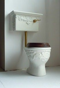 how to: toilet....WOW! This a great site lots of cute mini tutorials here...so glad I came across this.