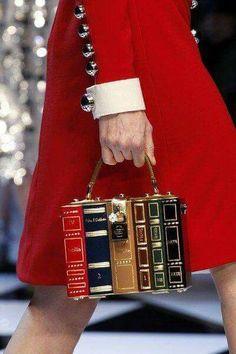 "voguesurvenus: Dolce & Gabbana Ready-to-Wear Fall. - voguesurvenus: "" Dolce & Gabbana Ready-to-Wear Fall 2016 "" Dolce & Gabbana, Dolce And Gabbana Bags, Book Purse, Book Clutch, Book Bags, Clutch Bag, Cute Bags, Purses And Handbags, Cheap Handbags"