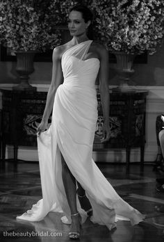 Editors' Picks: Angelina Jolie's Wedding Dress