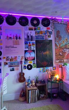 Indie Room Decor, Cute Room Decor, Aesthetic Room Decor, Teen Room Decor, Chill Room, Cozy Room, Room Ideas Bedroom, Bedroom Decor, Bedroom Inspo