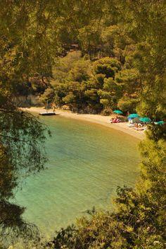 Greece will inspire you ! Poros Greece, Attica Greece, Cyprus Greece, Island Hopping Greece, Sailing Greece, Ibiza, Places In Greece, Beau Site, Florida Resorts