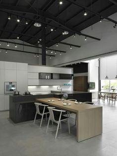 멋스럽고 실용성을 갖춘 주방의품격 아일랜드 식탁 인테리어를 소개합니다.. 좁은 공간에는 실용적으로 공...