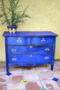 MakeMePrettyAgain: My first Milk Paint! GO BOLD, or go home!