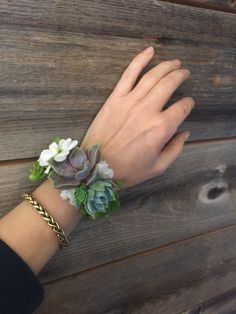 Succulents Succulent cuff corsage Casual Wedding ceremony Clothes A current survey exhibits that ext Succulent Corsage, Succulent Boutonniere, Flower Corsage, Prom Corsage And Boutonniere, Corsage Wedding, Wedding Bouquets, Corsage Formal, Bridesmaid Corsage, Bridesmaids