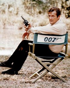 Sir Roger Moore today announced he will make his first stage appearance in Edinburgh later this year, as he took a cheeky pop at fellow James Bond actor Sir Sean Connery. Best Bond Girls, James Bond Girls, James Bond Movies, Roger Moore, William Boyd, Laura Smet, Non Plus Ultra, Movie Talk, Photo Vintage