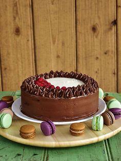 Pradobroty: Dort s extra kakaovým korpusem a pařížským a vanil. Tiramisu, Delicious Desserts, Brownies, Food And Drink, Cupcakes, Tasty, Cookies, Ethnic Recipes, Blog