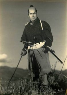 Press photo for Vendetta Of A Samurai (決闘鍵屋の辻), 1952, directed by Kazuo Mori (森一生) and starring Toshiro Mifune (三船敏郎).