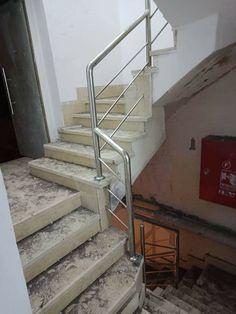 Pasamanos Stainless Steel Stair Railing, Ghulam Ali, Steel Railing Design, Door Gate Design, Indian House, Glass Stairs, Steel Stairs, Modern Stairs, Imran Khan