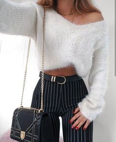Awesome 63 Cute Girly Outfit Ideas For Spring. More at https://trendfashionist.com/2018/02/16/63-cute-girly-outfit-ideas-spring/