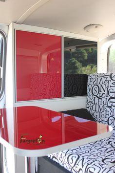 Multitud de colores para los panelados. www.furgoplon.com Volkswagen, Van, Camping, Colors, Campsite, Vans, Outdoor Camping, Campers, Tent Camping