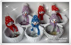 moje tvořeníčko - Fotoalbum - PLETENÍ Z PAPÍRU 2012 - vánoce 2012 Christmas Diy, Christmas Ornaments, Paper Weaving, Projects To Try, Holiday Decor, Crafts, Diy And Crafts, Xmas, Photograph Album