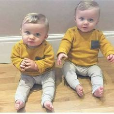 Twin Baby Boys, Dad Baby, Twin Babies, Cute Babies, Baby Kids, Blonde Baby Boy, Blonde Babies, Blonde Boys, Couple With Baby