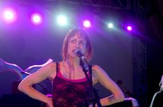 Fiona Apple Heckled On Stage in Portland http://www.mxdwn.com/2013/10/05/news/fiona-apple-heckled-on-stage-in-portland/