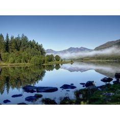 Wales, Gross Britanien, Snowdonian National Park,bei Capel Curig, Blick über den Llynnau Mymbyr auf das Snowdonian Massiv, Fototapete Merian, Fotograf: K. Bossemeyer