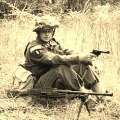 Soldier of the British 8th army WWII Looks like a Bren gun