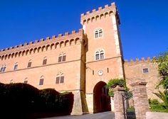 Bolgheri e Castagneto Carducci: cipressi, natura, e vino Super Tuscans