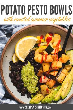 These healthy vegan bowls are filled with roasted vegetables, potatoes and a delicious homemade pesto! These are perfect for dinner or meal prep! #roastedvegetables #grainbowl #veganmealprep #vegetarian Vegetarian Comfort Food, Vegetarian Meal Prep, Vegetarian Recipes, Vegan Recipes Easy, Beef Recipes, Roasted Summer Vegetables, Peach Kitchen, Easy Vegan Dinner, Homemade Pesto