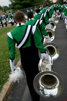 Drum Corps International: Cavaliers Contra