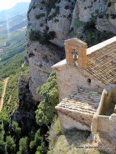 Que ver en la comarca de la Hoya de Huesca: 5 visitas culturales. Ermita Virgen de la Peña, Aniés.