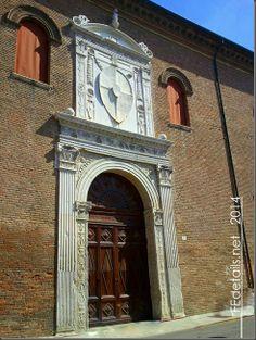 Portone Palazzo Schifanoia, Ferrara, Italy - Property and Copyrights of (c) FEdetails.net 2014
