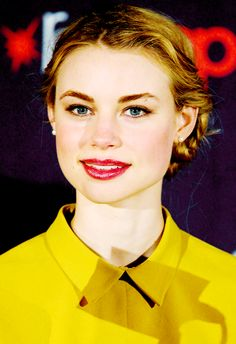 Lucy Fry at New York Comic Con (October 2013)