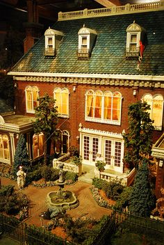 Back garden of Gorgeous Dolls House at the Miniatures Museum of Taiwan, by Mark Wu Miniature Rooms, Miniature Houses, Miniature Furniture, Dollhouse Furniture, Barbie Furniture, Dollhouse Dolls, Victorian Dollhouse, Dollhouse Miniatures, Modern Dollhouse