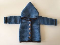 Cardigan med hætte – til de små drenge eller piger - Garn Grammatik Baby Boy Knitting, Baby Knitting Patterns, Baby Sewing, Baby Cardigan, Crochet Cardigan, Crochet For Boys, Diy Crochet, Baby Barn, Kids Clothes Boys