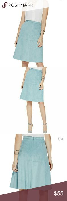 """🎀🎊 LAST CHANCE 🛇 Vince Camuto suede skirt Soft faux suede A-line skirt with a flared swing in deep aqua.  Hidden back zipper Front slant pockets Lined Waist: approx 28"""" Skirt length: 26"""" Vince Camuto Skirts A-Line or Full"""