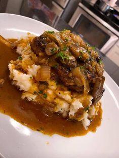 Salisbury Steak Garlic Mash Potatoes Mushroom & Onion gravy – Recipe Ketchup