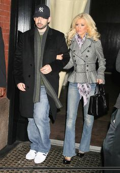 christina aguilera-  Her outfit is on point.