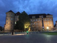Das Alte Schloss auf dem Schlossplatz in Stuttgart by Valdet Beqiraj on 500px