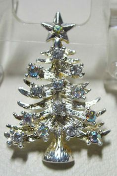 VINTAGE JEWELRY - RHINESTONE PIN - CHRISTMAS TREE - EISENBERG ICE