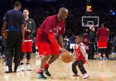 recap)     4 / 58 Western Conference's Kobe Bryant, of the Los Angeles Lakers, (24) plays around with Los Angeles Clippers' Chris Paul's son Chris Paul Jr. during second half NBA All-Star Game basketball action in Toronto on Sunday, Feb. 14, 2016.