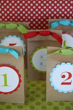 Countdown to Christmas.  This would be awesome with little treats inside!  www.sweet-temptations.com