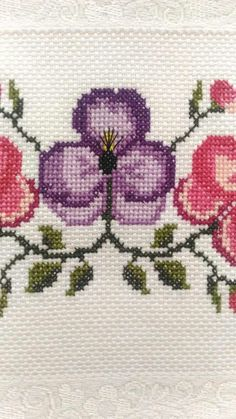 💞💞💞 Cross Stitch Patterns, Diy And Crafts, Projects To Try, Crochet, Bath Linens, Cross Stitch Embroidery, Cross Stitch Art, Cross Stitch Samplers, Blue Flowers