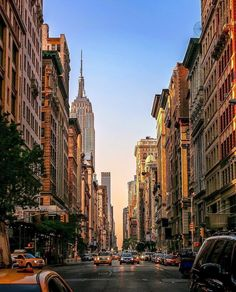 Travel to New york with these photographs of New York City. Start an automated business now by clicking Vol New York, New York City, City Aesthetic, Travel Aesthetic, Mykonos, Santorini, Wanderlust, New York Photographie, A New York Minute