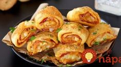Delicious puff pastry rolls filled with salami and mozzarella (in Croatian) Snack Recipes, Dessert Recipes, Cooking Recipes, Puff Pastry Pizza, Czech Recipes, Time To Eat, Party Snacks, Food Design, No Cook Meals