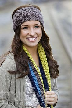 Crocheted Flower Headband / Earwarmer  http://www.ravelry.com/patterns/library/crocheted-flower-headband---earwarmer
