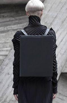 "Ukrainian fashion designer Konstantin Kofta's ""Platonic Solids"" line of bags… I Love Fashion, Fashion Bags, Fashion Design, Women's Fashion, Backpack Bags, Leather Backpack, Platonic Solid, Latest Bags, Textiles"